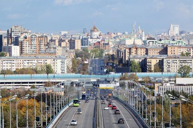 Ликсутов: повышение цен напарковку в столицеРФ не предполагается