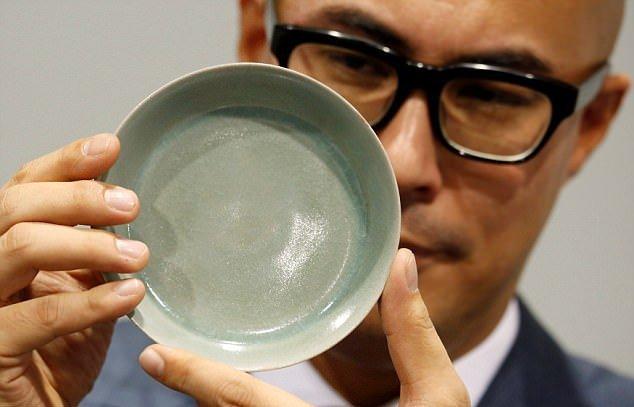 Китайская чаша продана нааукционе вГонконге зарекордные $37,7 млн