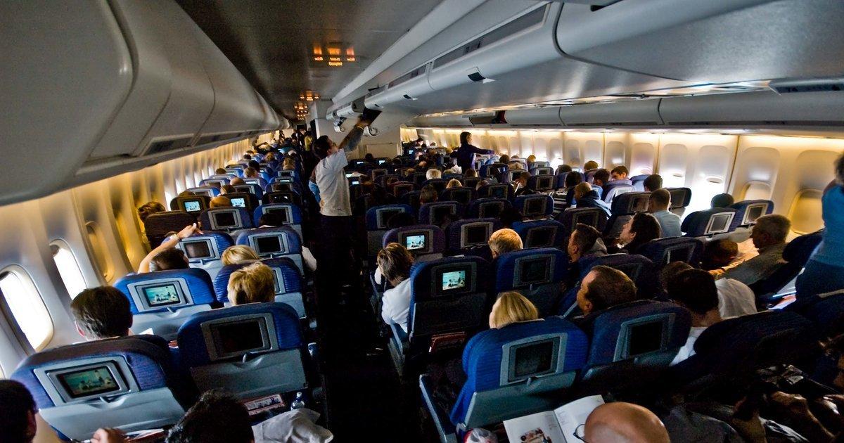 Пассажир рейса Москва-Кишинев потерял сознание всамолете