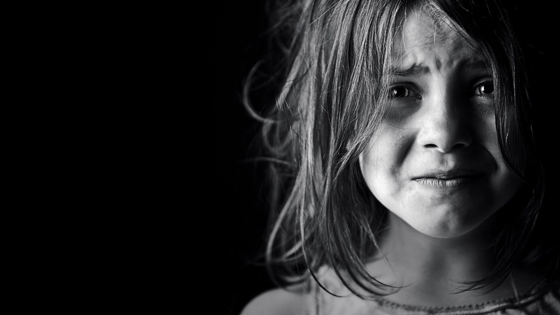 Маленькая девочка занялась сексом с видео