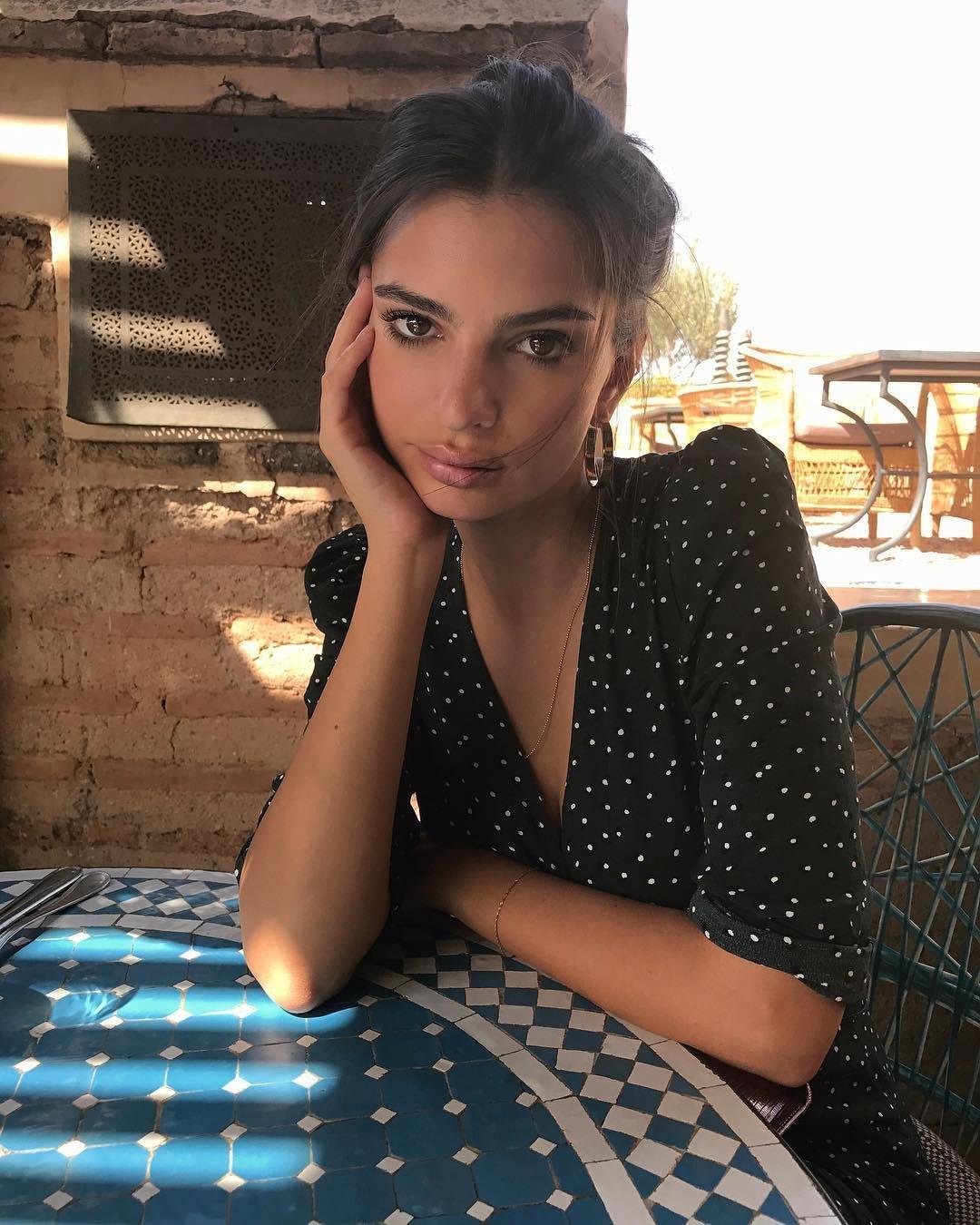 Артистка Эмили Ратаковски испугала фанатов собственной худобой