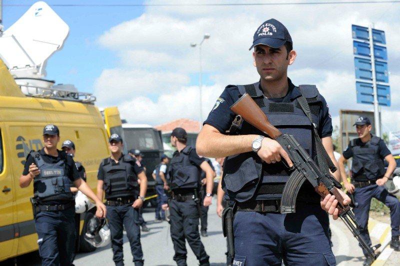Турция хочет арестовать еще одного сотрудника консульства США— Напряжение усиливается