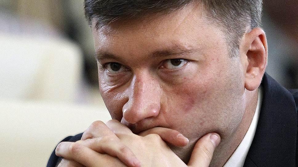 Руководитель Госкомнаца Крыма Смирнов подал вотставку