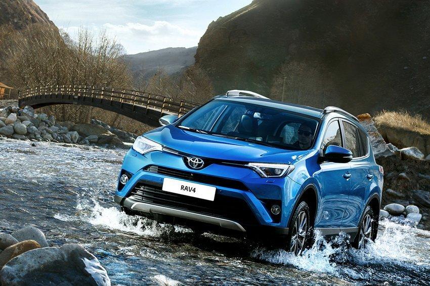 Тойота RAV4 остается бестселлером марки на рынке России