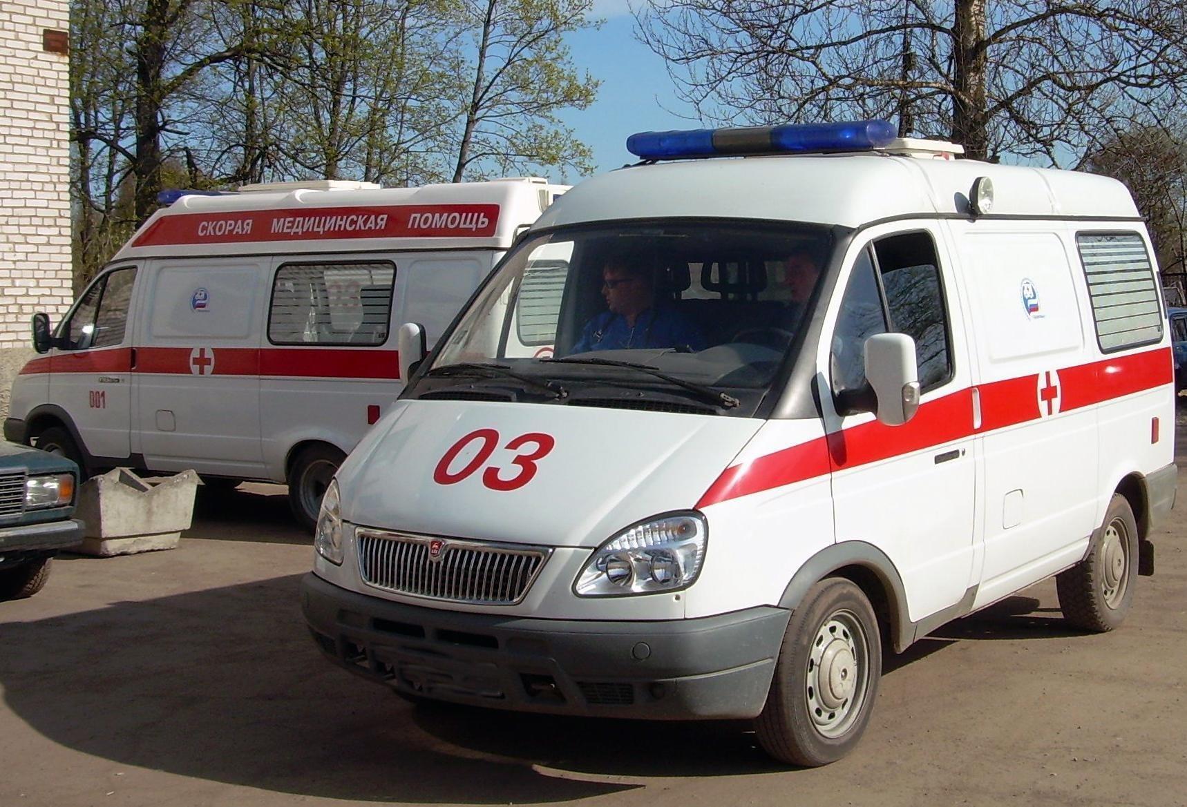 Напившиеся энгельсский восьмиклассник с приятельницей попали в поликлинику