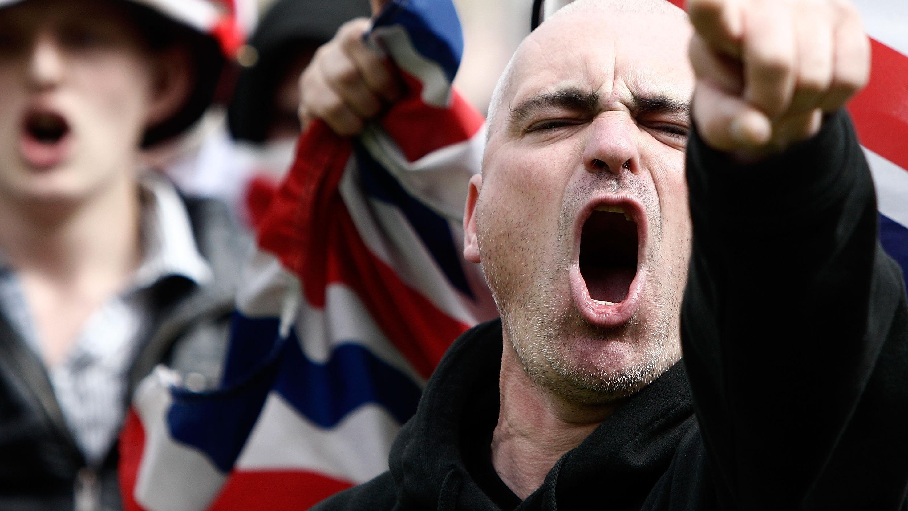 Лидер английских неонацистов исправился, очутившись евреем игеем (2)