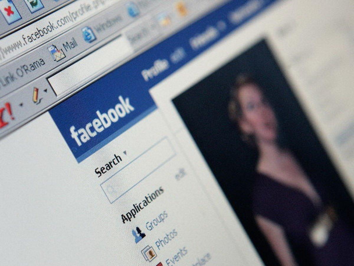 Фейсбук научился вычислять настоящие аккаунты проституток ипорноактрис