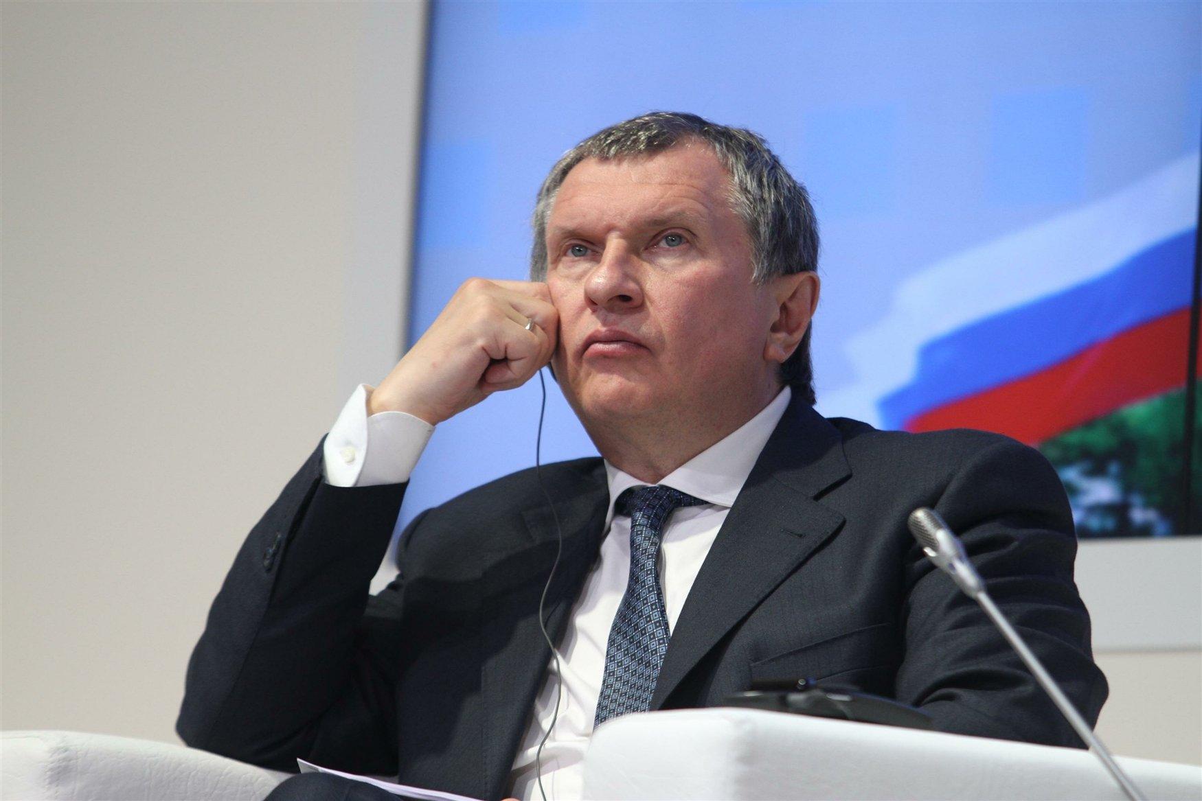 Игорь Сечин видит нефть основой энергетики ичерез 20