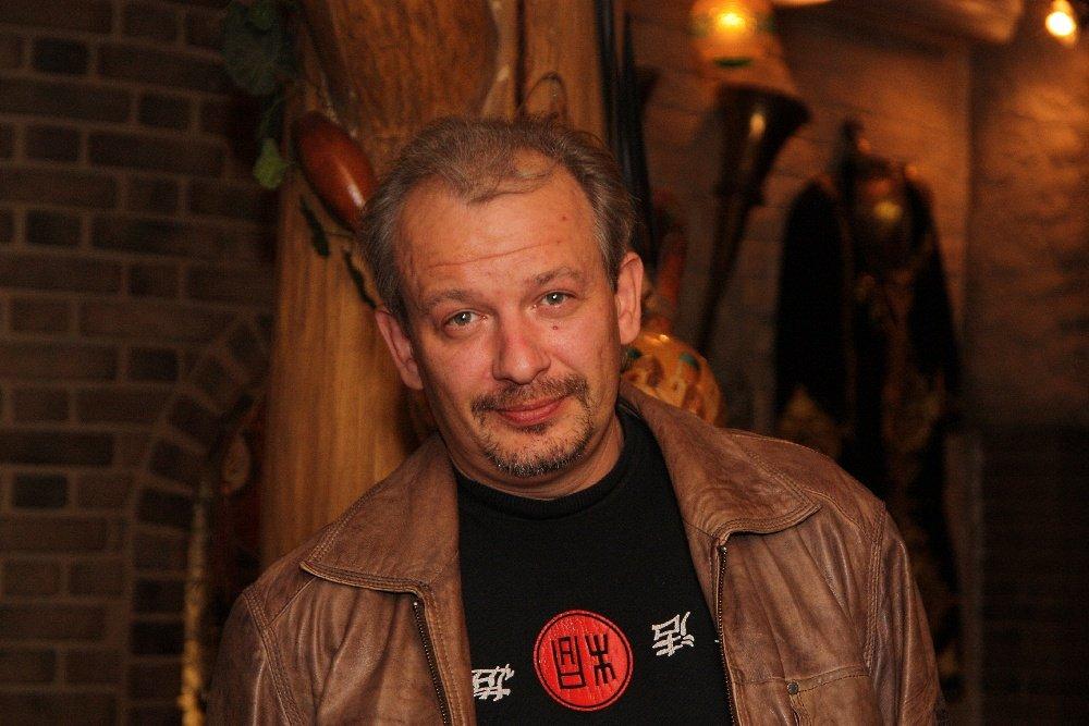 Скандальную версию причины смерти артиста Марьянова озвучил нарколог
