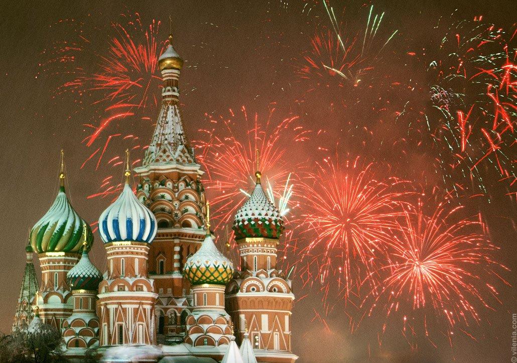 Москва запустит новогодний салют в 01:00