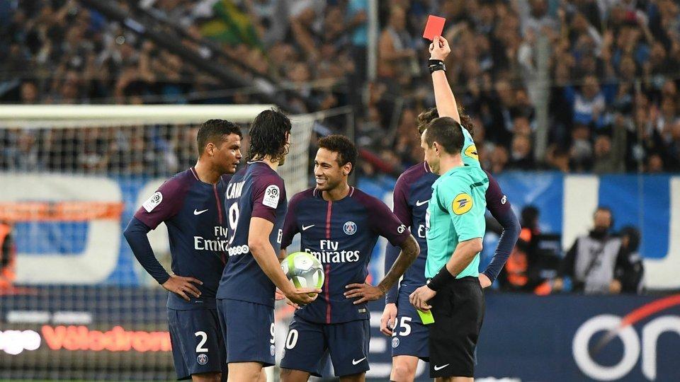 «Марсель» и«ПСЖ» сыграли вничью, Неймар забил мяч иполучил красную карточку