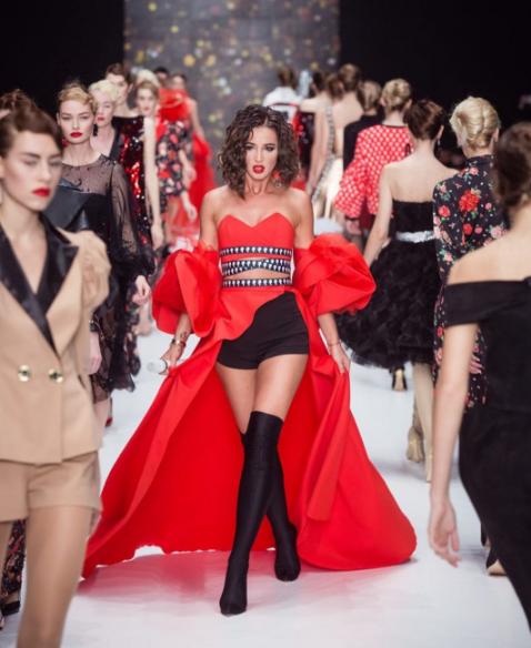 В Сети активно обсуждают новое красное платье Ольги Бузовой