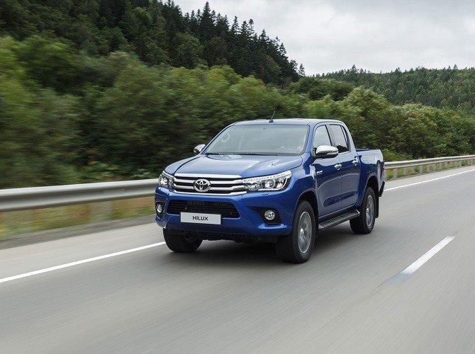 Цена пикапа Toyota Hilux выросла во всех комплектациях