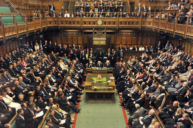 Английских парламентариев подозревали в половых домогательствах