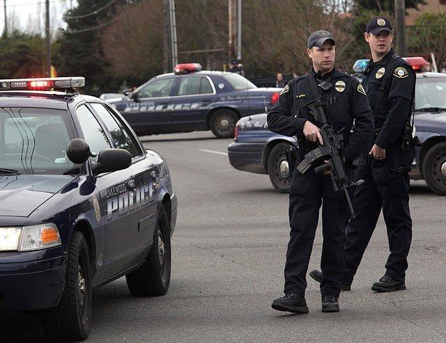 ВСША мужчина вкостюме Санта-Клауса расстрелял участников вечеринки