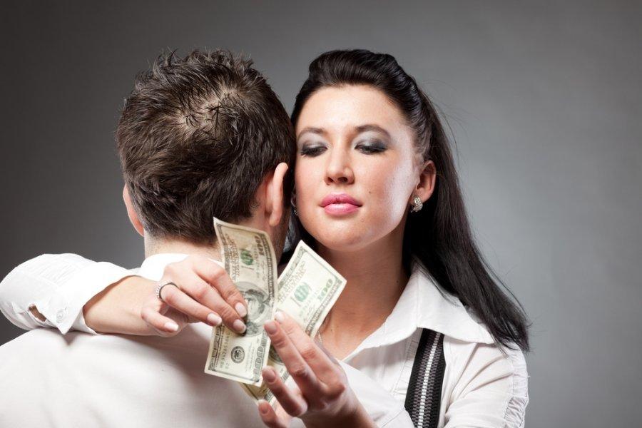 Проститутки изВосточной Европы заняли рынок секс-услуг вЛиверпуле