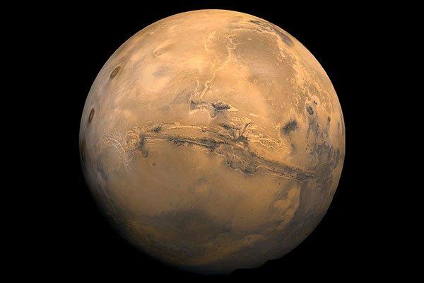 Ученые рассказали об эффекте «парящего песка» на Марсе во время лета: Чем нас удивляет Красная планета?