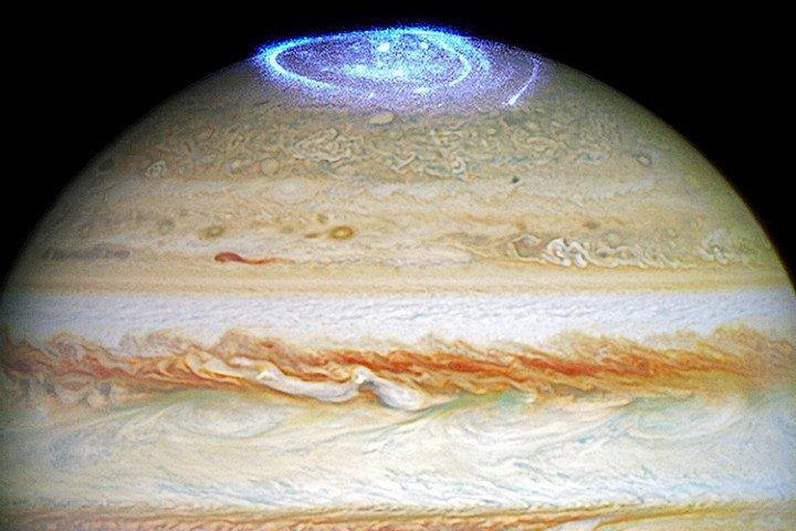 Ученые впервый раз зафиксировали пульсирующее сияние наюжном полюсе Юпитера