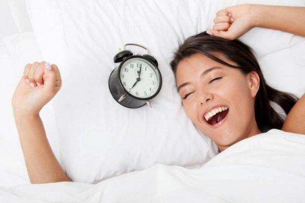 Названы самые опасные вещи, которые не стоит делать, если проснулись ночью