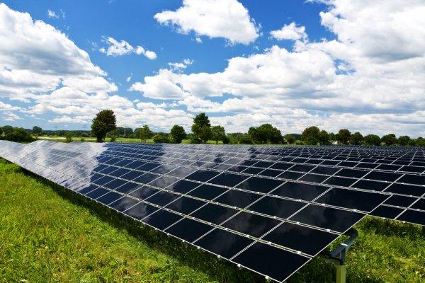 В Севастополе ученый почти вдвое повысил эффективность солнечных батарей зимой