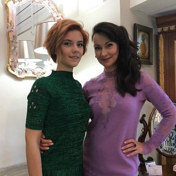Дочь Нонны Гришаевой поразила красотой гостей мюзикла