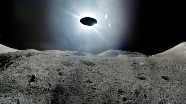 Уфолог опубликовал шокирующий ролик с «ползающим» НЛО: NASA находится в сговоре с пришельцами