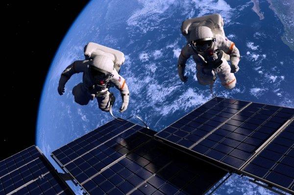 Астронавты NASA успешно завершили выход в открытый космос с МКС: 6 часов за пределами станции проведены продуктивно