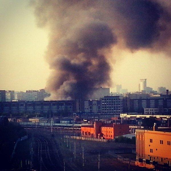 На заброшенном заводе «Серп и молот» в Москве опять произошел пожар