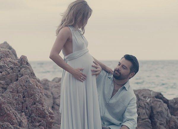 Алексей Чумаков презентовал клип с беременной Юлией Ковальчук