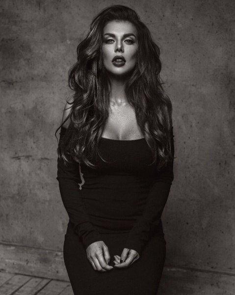 Анна Седокова показала сексуальное фото в Instagram