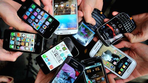 Мировая цена на смартфоны за год выросла на 7%