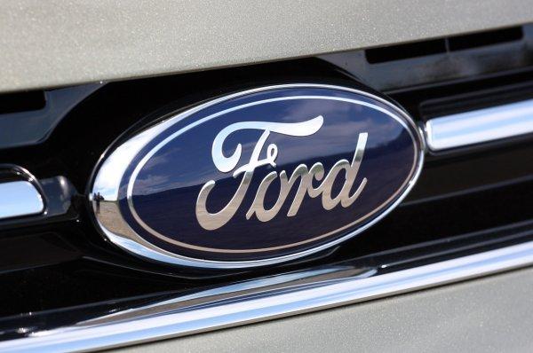 Более чем у 840 тысяч авто Ford может отвалиться руль
