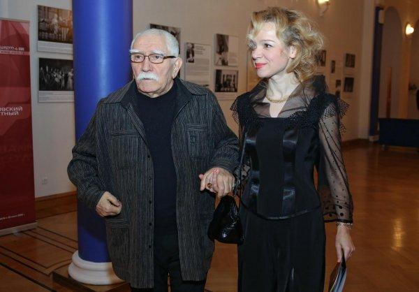 Психолог: Армен Джигарханян мог подвергнуться гипнозу