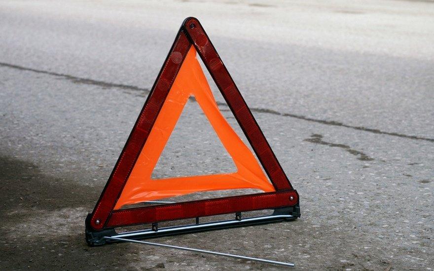 В столице сразу две полосы наМКАД перекрыты из-за дорожно-траспортного происшествия с грузовым автомобилем