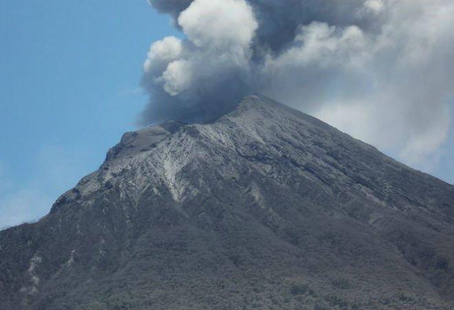 Вулкан вИсландии вполне может стать первопричиной общеевропейской катастрофы