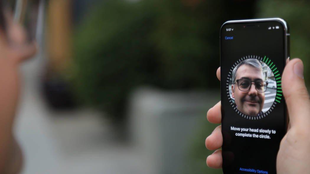 Битва заiPhone X: Москвичи выстроились вмногокилометровые очереди