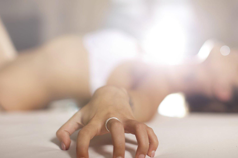 Ученые узнали, как женщины справляются сотсутствием оргазма