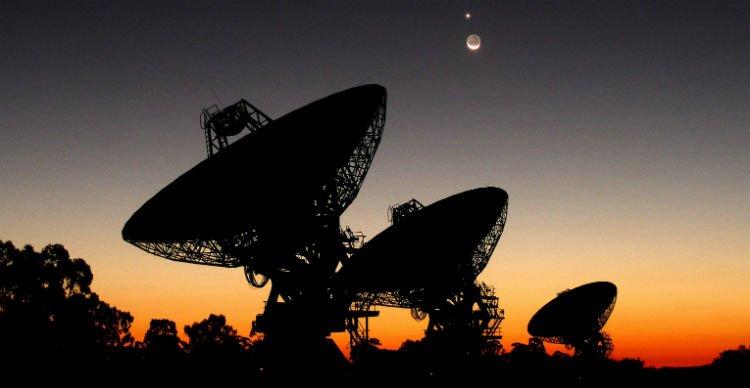 Ученые ждут что инопланетяне выйдут на связь через 10 лет О чем спорят Вакоч и Хокинг