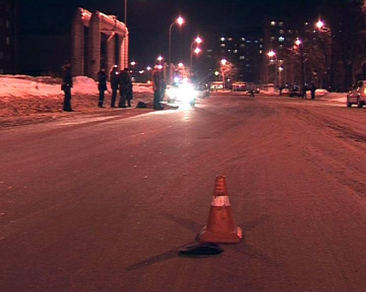 Наюге столицы автомобиль сбил 3-х человек напешеходном переходе