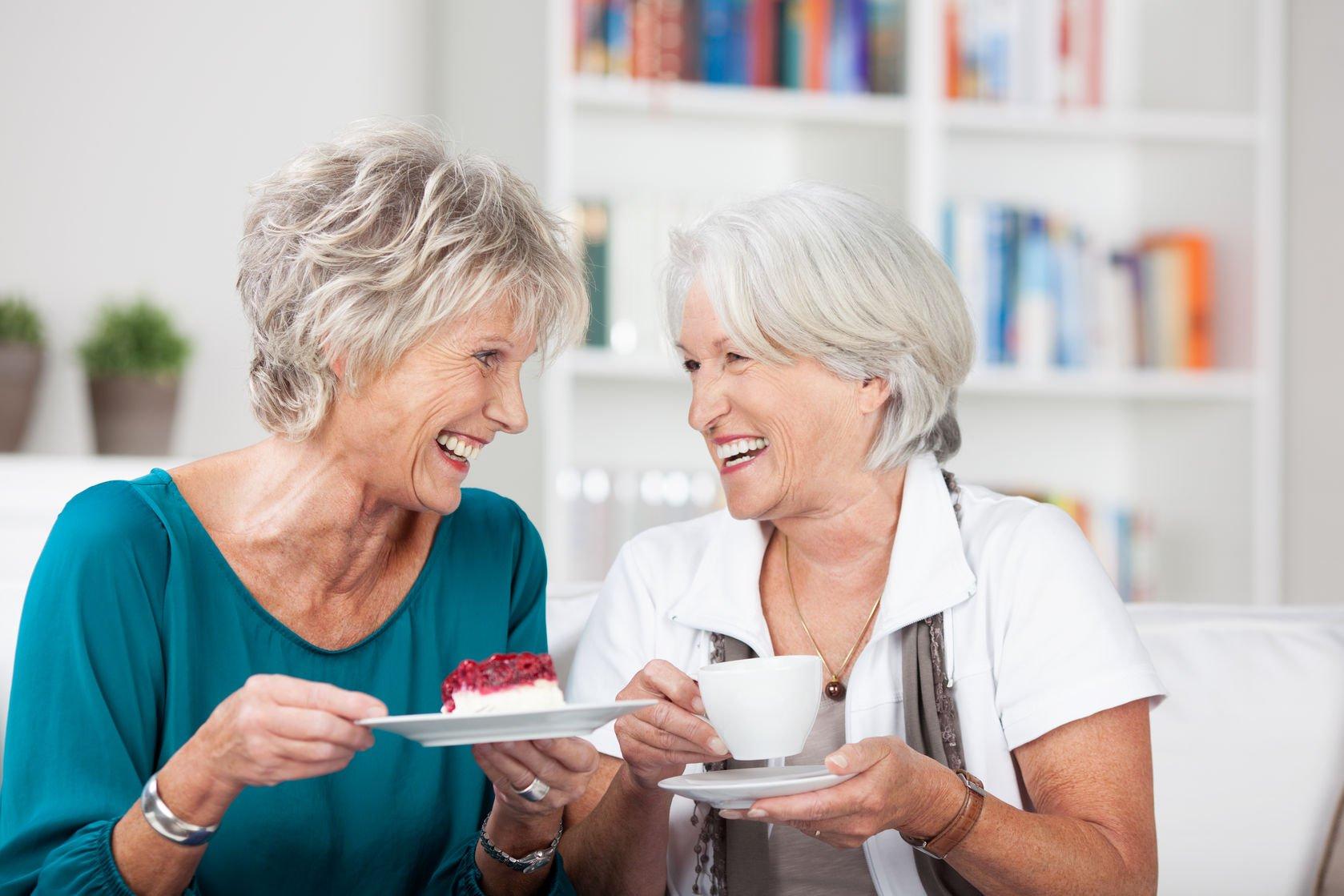 Ученые: Чем больше друзей, тем менее стареет мозг