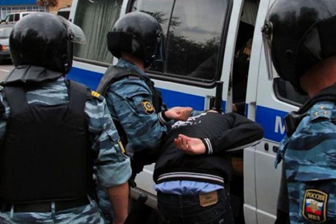 В 7-ми  русских  городах задержали неменее  300 человек