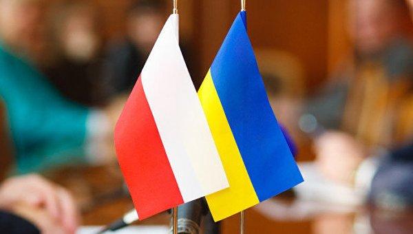 Порошенко предложил провести срочное совещание комитета президентов Украины иПольши
