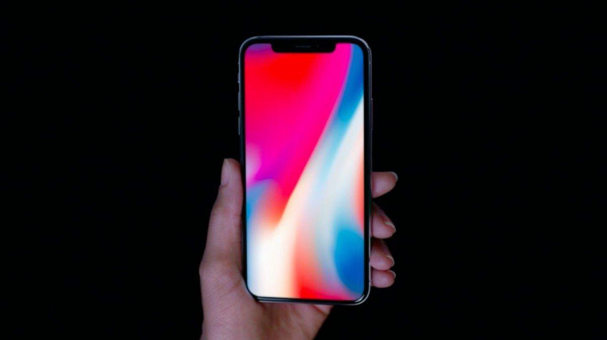 В Apple признали существование проблем с экраном iPhone X