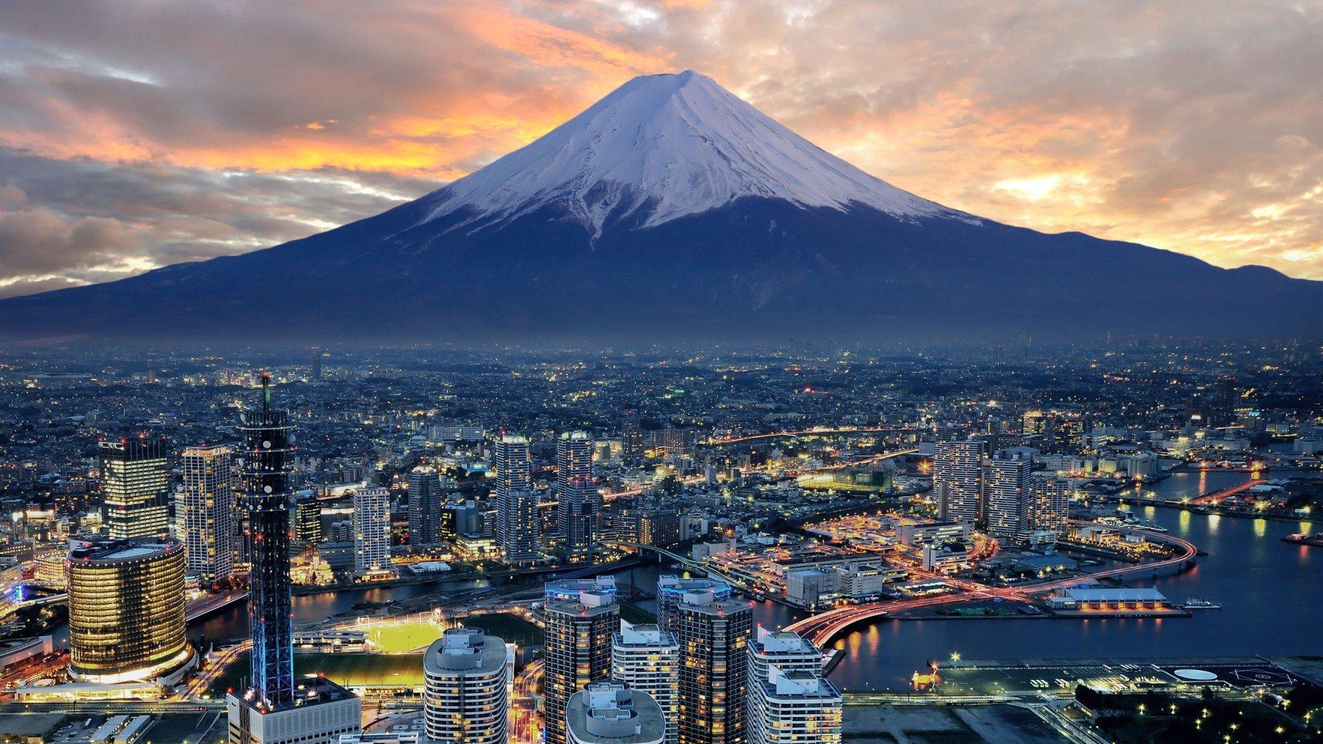 Япония планирует ввести туристический налог вобъеме $9 с2019 года