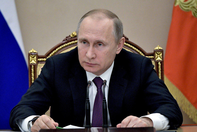 Путин присвоил Олегу Баранову звание генерал-лейтенанта
