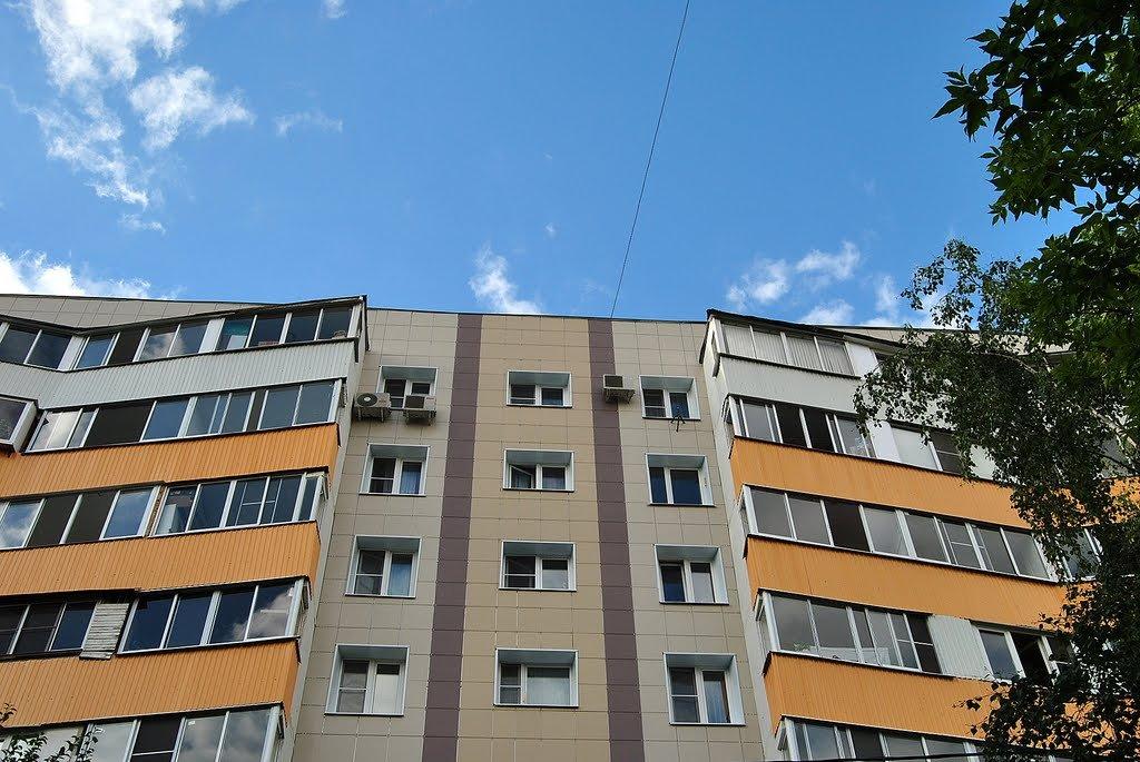Киевлянка поймала выпавшего изокна соседа— Вынеповерите