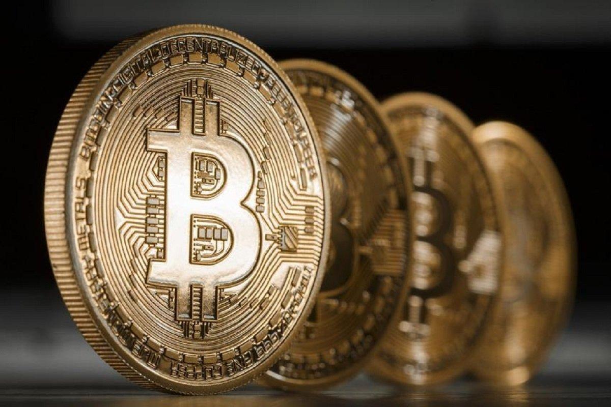 Стоимость биткоина снизилась задва дня неменее, чем на $1000