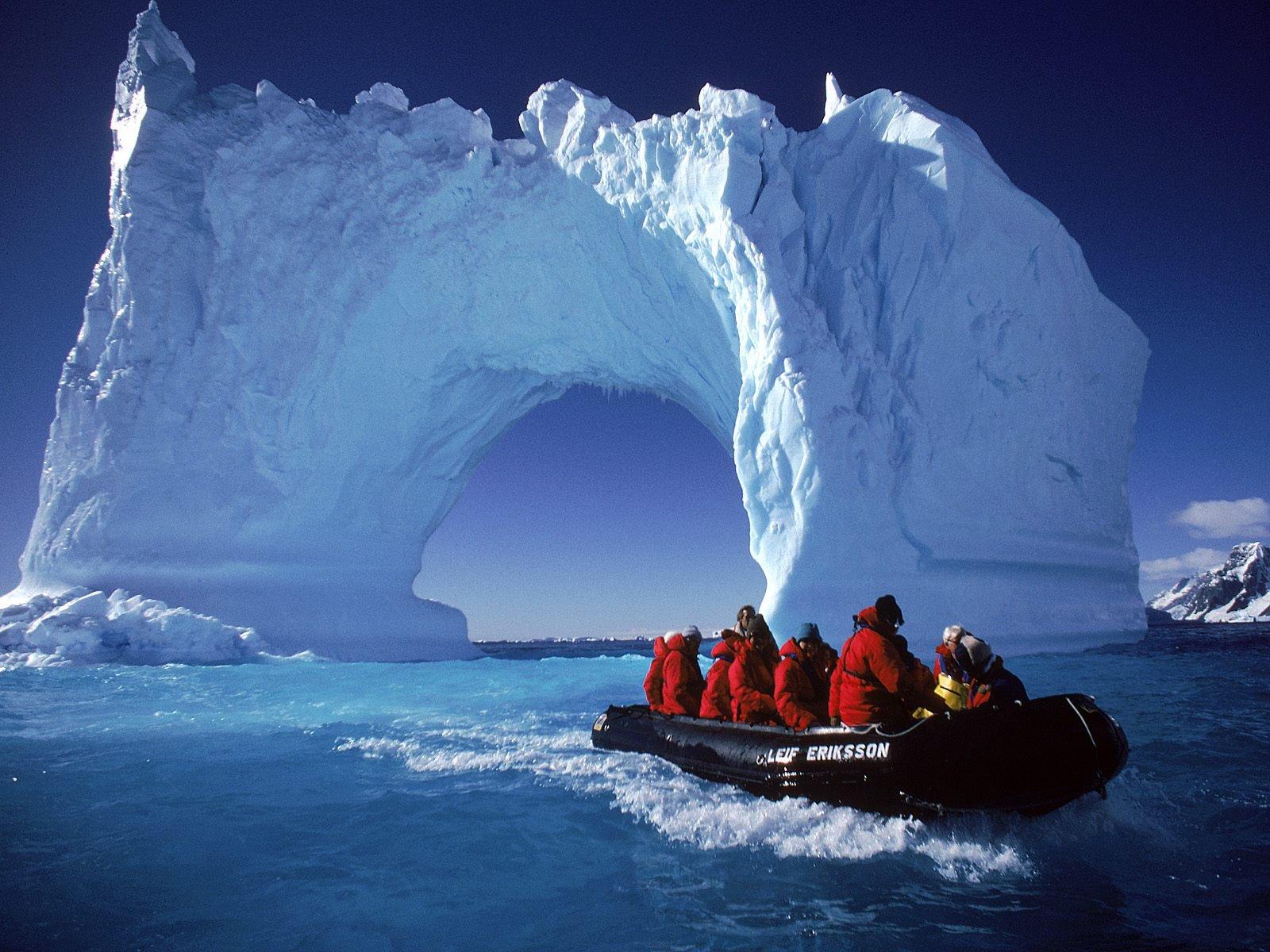 Антарктика превращена учеными вдетектор частиц для фиксация нейтрино