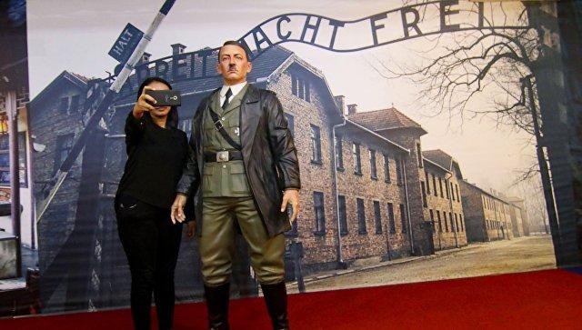Воскового Гитлера убрали из музея в Индонезии после скандала