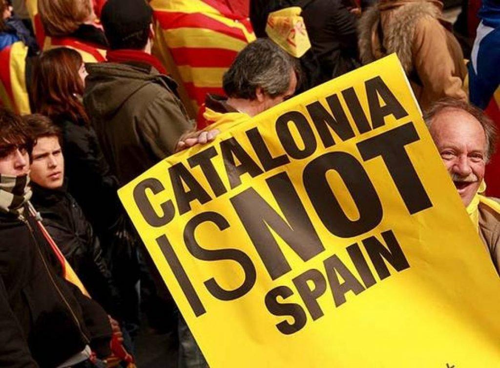 Тысячи людей в Барселоне вышли на митинг с требованием освободить сторонников независимости Каталонии
